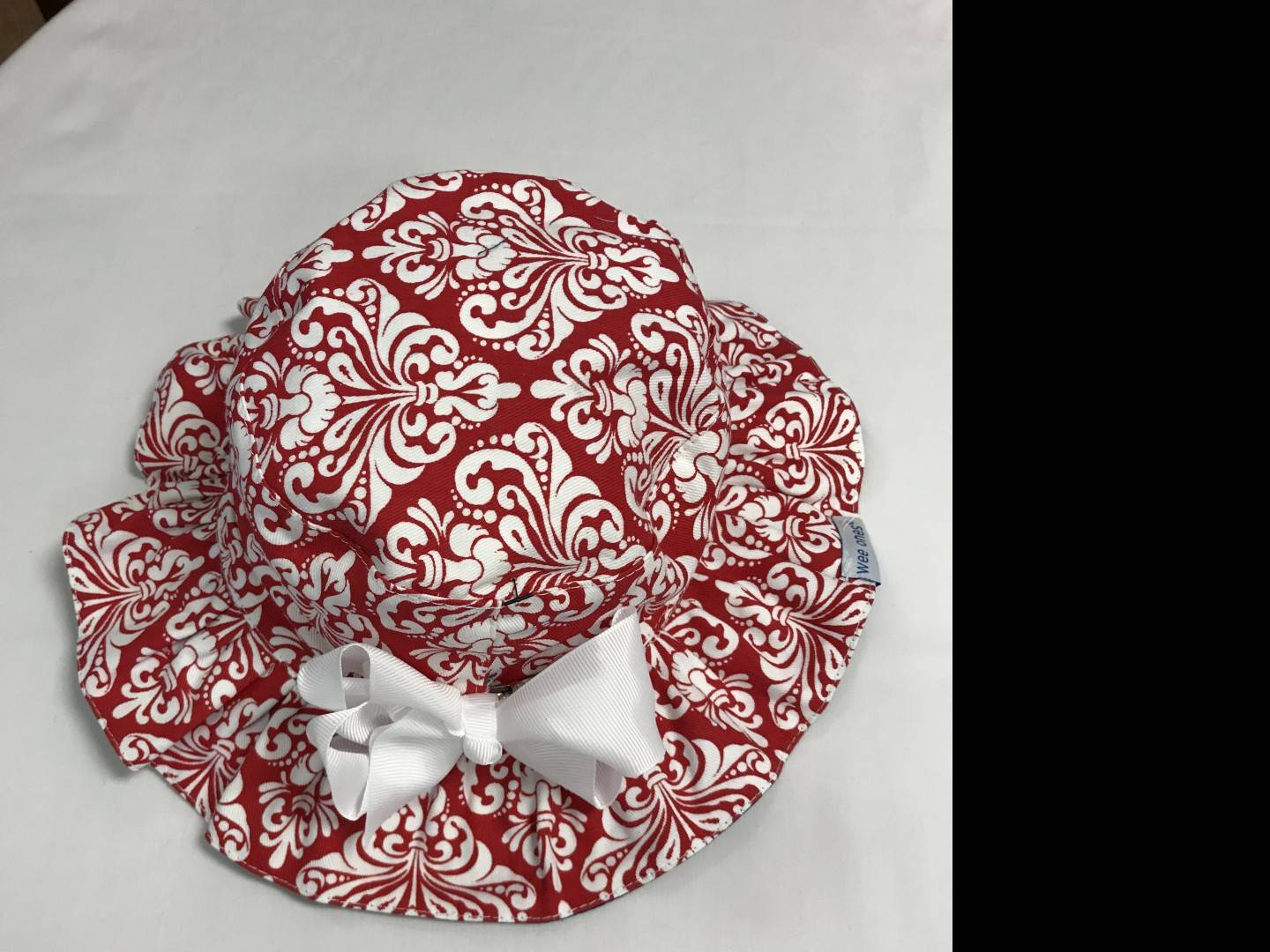WEE ONES REVERSIBLE RED AND WHITE SUN HAT SIZE 12-18 MONTHS