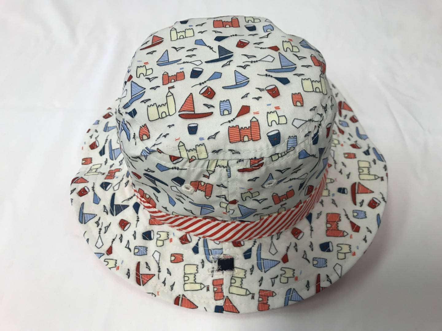 SUNNY DAYZ REVERSIBLE BOATS HAT SIZE 12-24 MONTHS