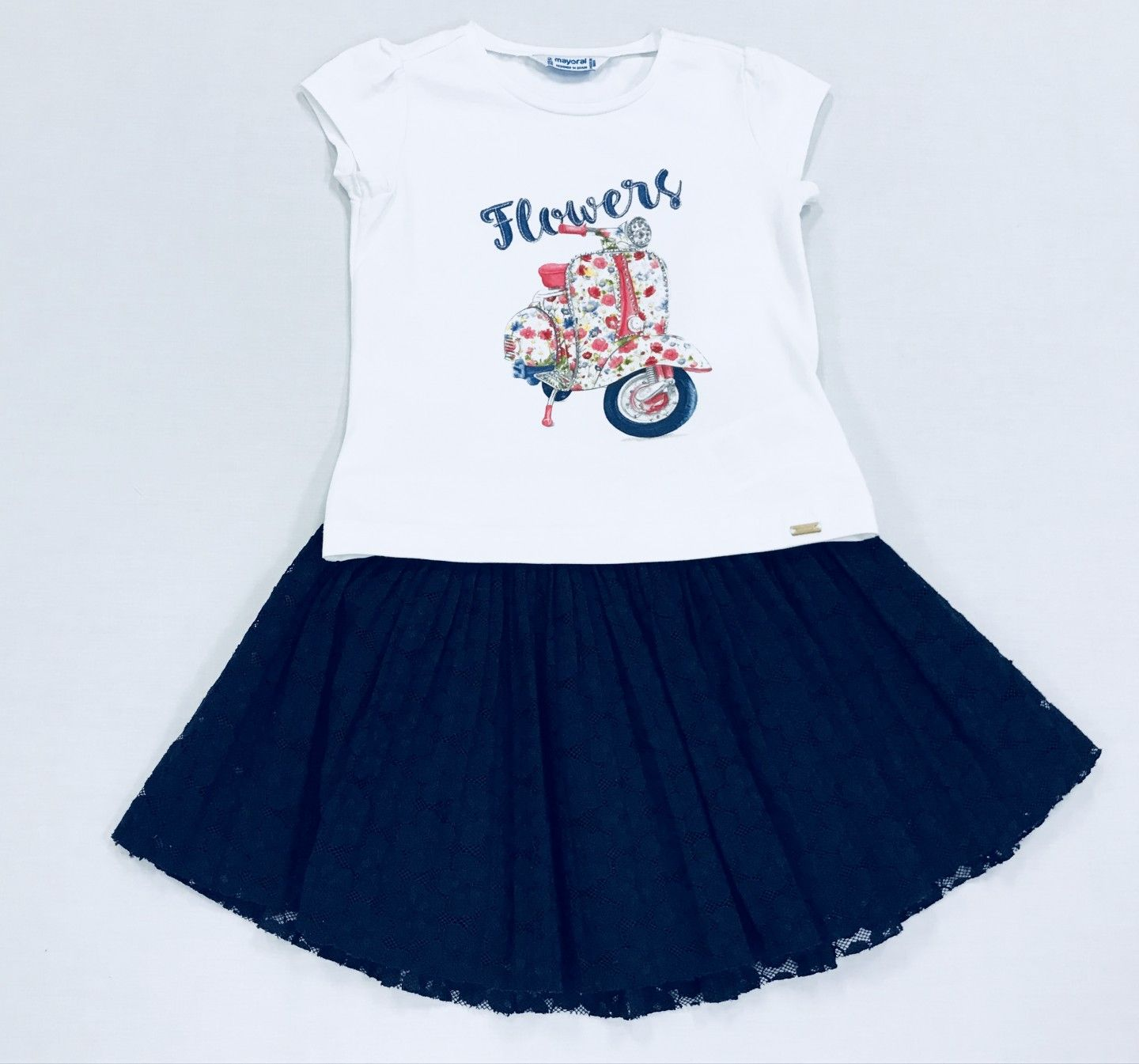 WHITE BLOUSE WITH NAVY SKIRT SIZE 2-8